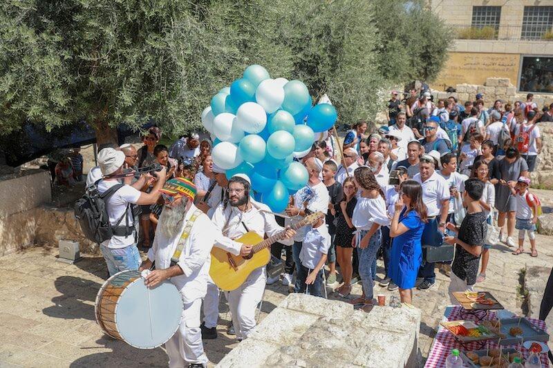 Photo bar mitzvah at the kotel western wall