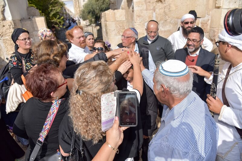 picture bar mitzvah at the kotel western wall